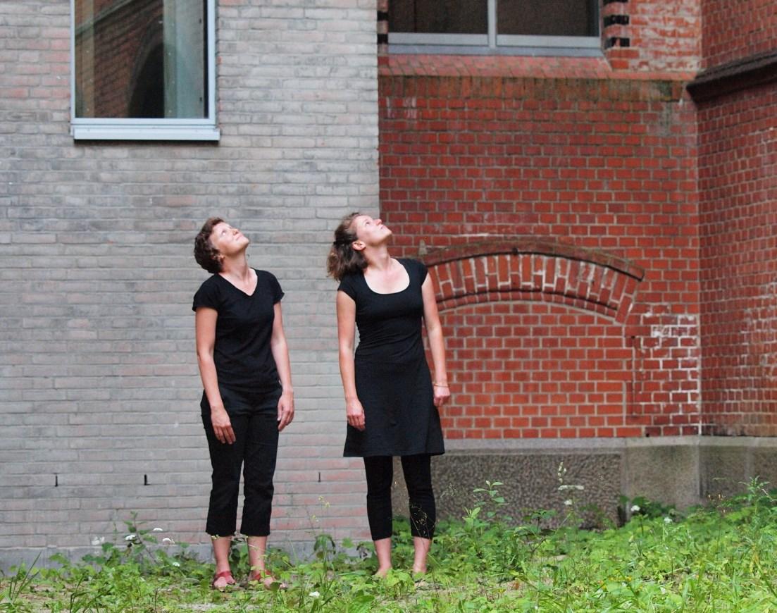 Evamaria Schaller & Alice de Visscher, Perf. am 3.7. Foto: johnicon, VG Bild-Kunst 2015