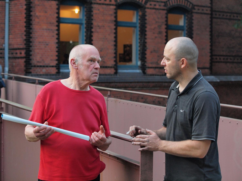 Boris Nieslony im Gespräch mit Marco Teubner am 3.7.2015 in Flensburg (Brise3) Foto: johnicon, VG Bild-Kunst