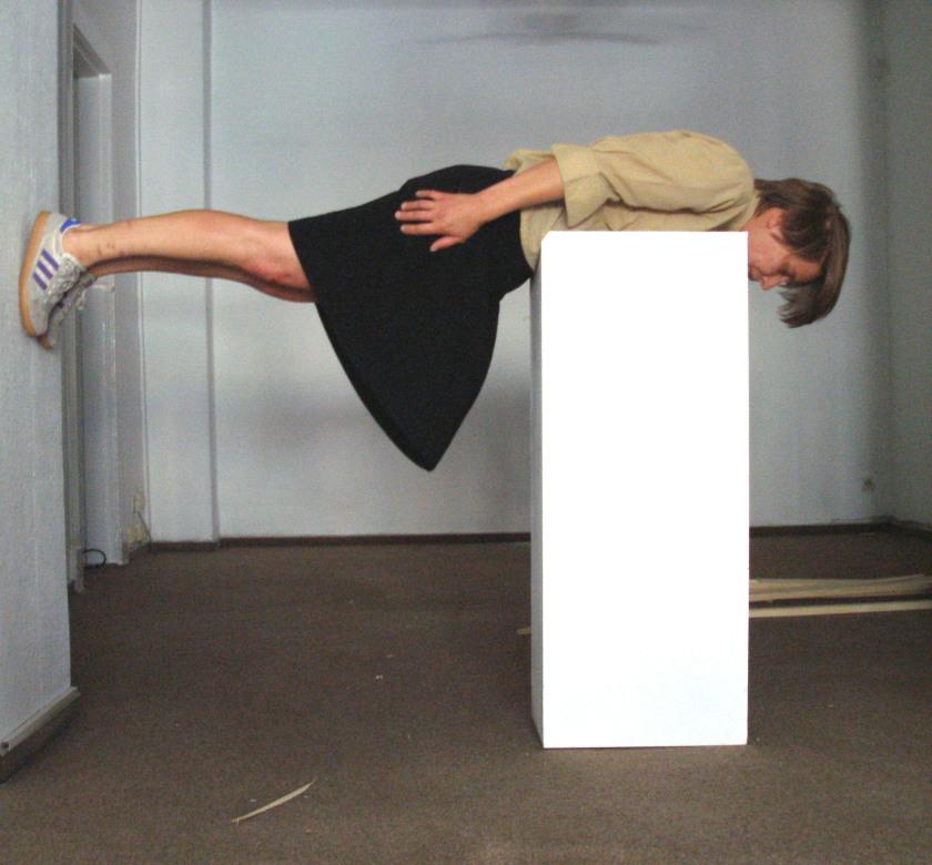"""Monica Prantl: Die Serientaten, Performance während der Tagung """"Schubumkehr"""" am 30.8.2008, Foto: johnicon"""