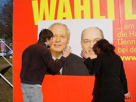 Schmusen mit Politikern, courtesy 3Rooosen